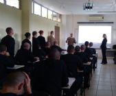 CliniPOM Criciúma apresenta a ABEPOM aos novos alunos do curso de formação de soldados.
